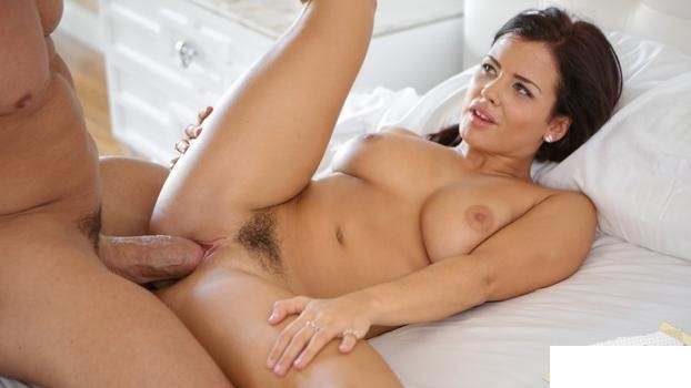 RealExGirlfriends: Keisha Grey - Pillows And Pussy