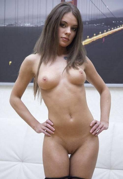 Lita Phoenix - Teeny slut with perfect body - LegalPorno