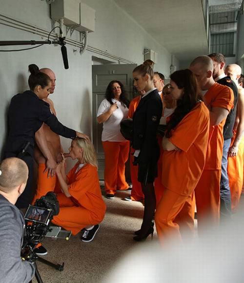 Lola Reve, Alexis Crystal, Ferrera Gomez, Lola - Making-Of - Prison - DorcelClub