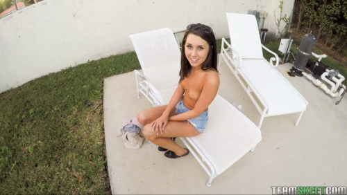 Teens Love Money - London Lynn - Bus Stop Babe Gets Laid And Paid