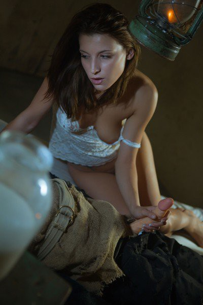 Victoria Daniels - Scarecrow 2
