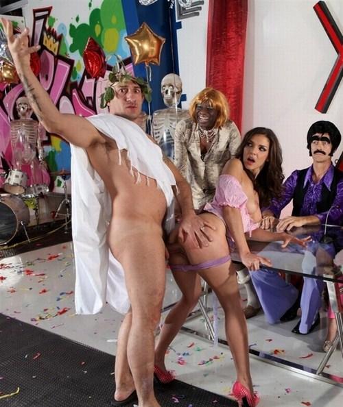Omar Galanti, Henessy S - XXX Fucktory - The Parody Italian Style, Scene 3