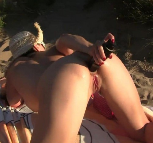 Elisa Dreams - Flashing And Sex In Front Some Voyeurs In The Dunes